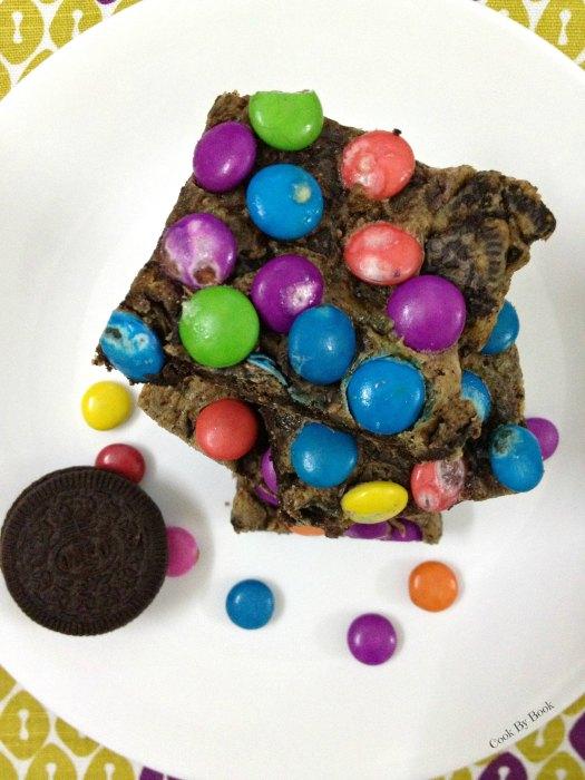 M&M Oreo Cookie Bars3